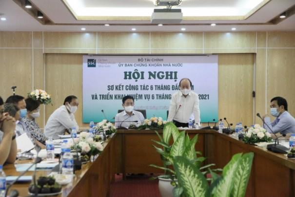 Thứ trưởng Bộ Tài chính Huỳnh Quang Hải phát biểu tại Hội nghị.