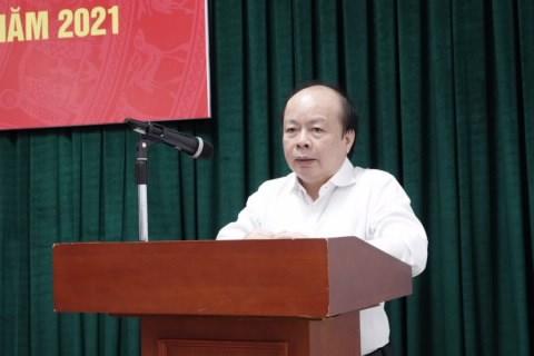 Thứ trưởng Huỳnh Quang Hải phát biểu chỉ đạo tại hội nghị.